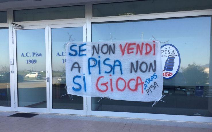 pisa_calcio_proteste